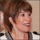 Linda Fischbach Headshot